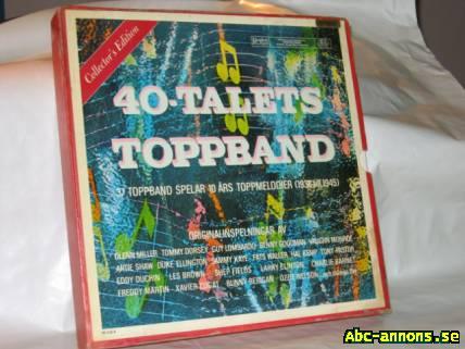 LP vinyl jazzpaket - Stockholm - LP - vinyl, jazzpaket: - Box med 11 skivor, 40-talets toppband, Det Bästa (Reader´s Digest) 1967, texthäfte på engelska och svenska medföljer. Skivorna verkar var i bra skick. Boxhöljet är dock lite tejpförstärkt. - 7 st skivor, varie - Stockholm