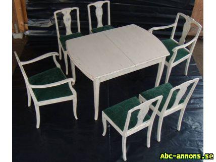 vitt köksbord med 4 stolar