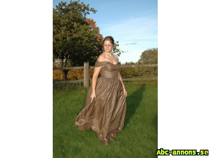 eaf57325cee3 Vacker aftonklänning! - Kläder/Smycken/Ur - Abc-annons.se Gratis ...