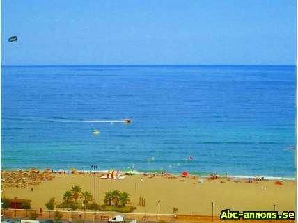 Havsutsikt Centralt Gratis internet, Los Boliches-Fuengirola - Spanien, Andalusien - Trådlöst wifi internet-åtkomst i lägenheten. Tvättmaskin, TV, pool, SVT world 150 meter från stranden och med en strålande havsutsikt, är vår lägenhet. Butiker, restauranger och barer ligger precis runt hörnet. Pendeltåg  - Spanien, Andalusien