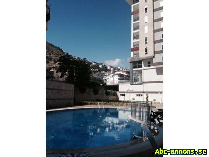 A lovely holiday house in Alanya - Övriga Utlandet, Turkiet - Antal rum:2 rum Boyta, kvm:70-79 kvm Kr/månad:(ej angivet) Balkong/Uteplats:Ja A really lovely apartment in Alanya for sale - All Included - Furnished and everything that you will need for your holiday and relaxation. Lovely q - Övriga Utlandet, Turkiet