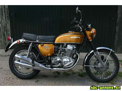 Honda CB 750 Four K2 - Stockholm - Märke:Honda Modell:CB 750 Four K2 Årsmodell:(ej angivet) Antal mil:(ej angivet) Typ:(ej angivet) Klass:(ej angivet) Honda CB 750 Four K2, 1972 En riktig klassiker i mycket bra skick. Mätarställning: 9420 mil Färg: guld Typ: Touring/Landsv - Stockholm
